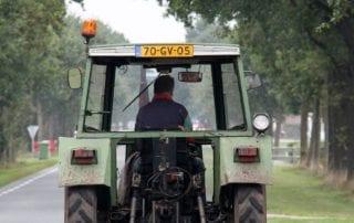 Kentekenplaat verplicht voor landbouwvoertuigen